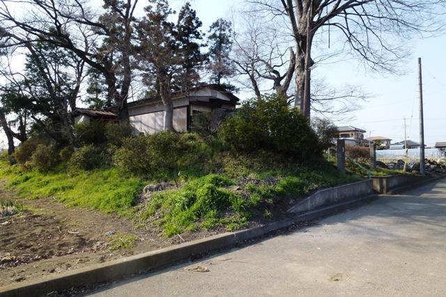 堀田神社(土塁跡)